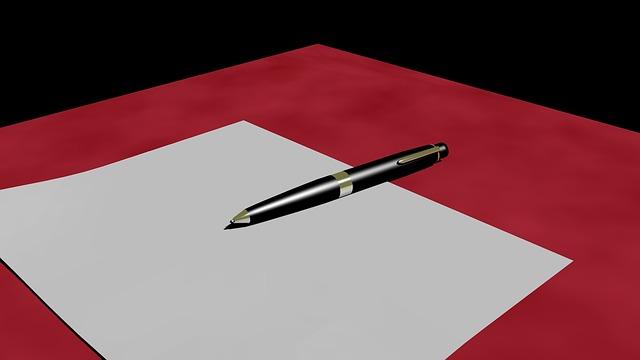 prázdný papír a propiska