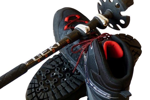 vycházková hůl a boty