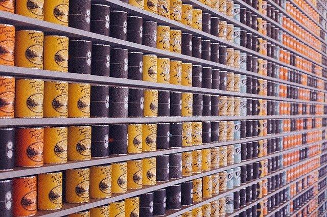 potraviny v konzervách.jpg