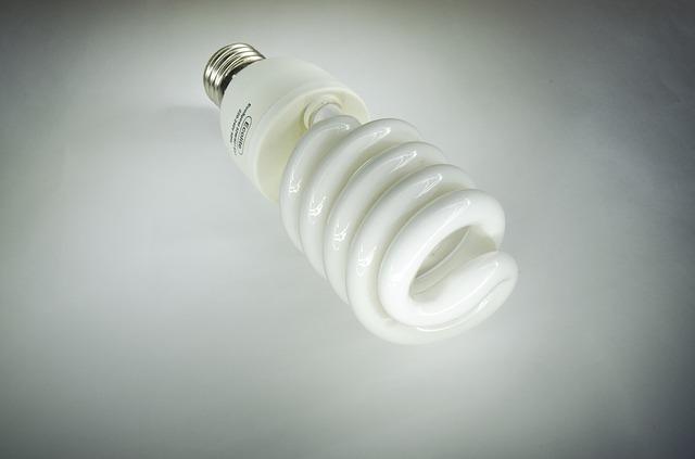 úsporná zářivka