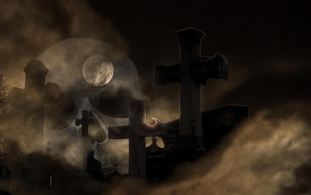 měsíc nad hřbitovem