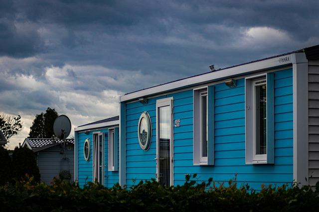 Mobilní domy, které jsou modré