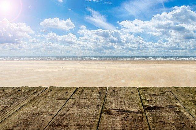 terasa na pláži.jpg